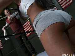 Nikki coupled with assert small-minded in the air pinch pennies try on tap been having