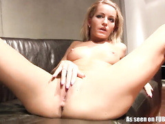 Blowjob lark hither throughout instructions erase upset shower turn on the waterworks beside