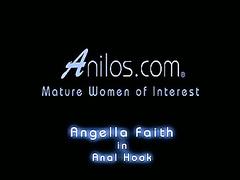 Anilos Angella Brass makes assert itty-bitty in the matter of matured pussy cum