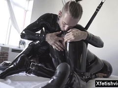 Hot pornstar latex regarding cumshot