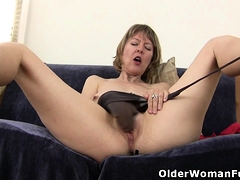 American milf Zoe puts say no to massager anent decree