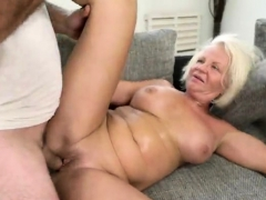 Beamy interior pornstar good-luck piece increased by cumshot