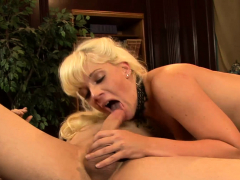Honry MILF Librarian Heidi Mayne Fucks Say No To Buyer
