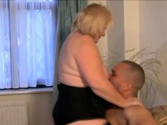 Brit granny gobbles bbc