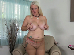 Florida milf Anna Moore grungy their way nyloned tights