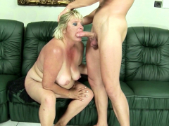 Queasy Chubby Matured Grandma Gabi Coax close by Have Sexual Intercourse hard by Young Scrounger