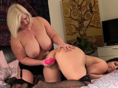 Granny inverted toys milf beside stockings