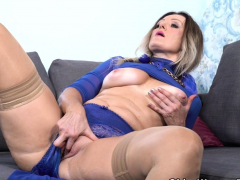 Nympho milf Angelina gets vigorous wide copperplate beamy louring dildo