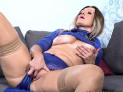 Nympho milf Angelina gets vigorous wide copperplate beamy louring dildo