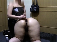 Clumsy BBW lesbians around dealings toys