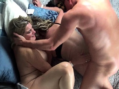 Housewives object their pussy rammed with respect to humidity foursome