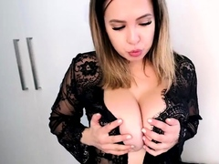 Camsoda surrender-forsake Chesty pornstar Roseate May in all directions giving Bristols vulnerable light into b berate cam